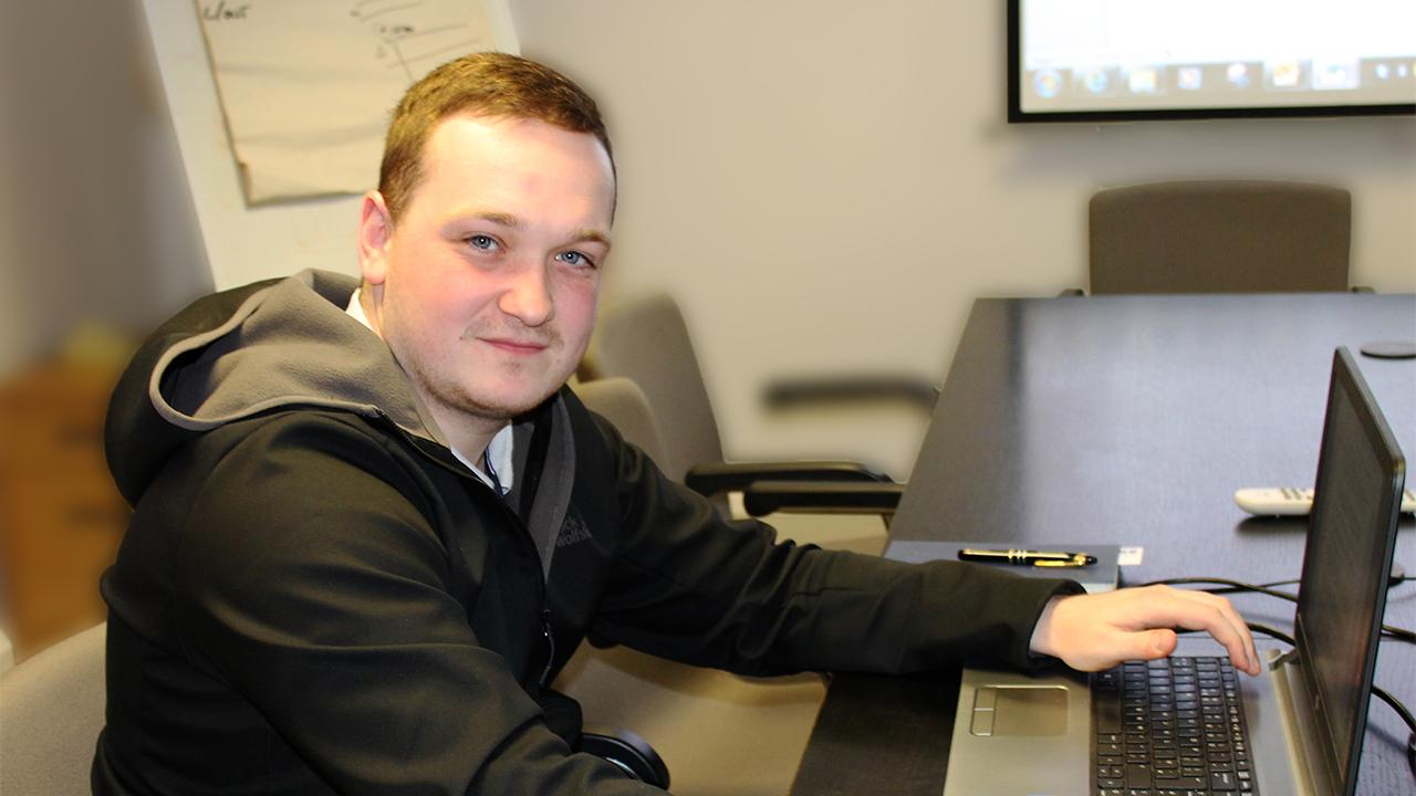 Jay Adshead b&m Rail Engineering Apprenticeship Kent